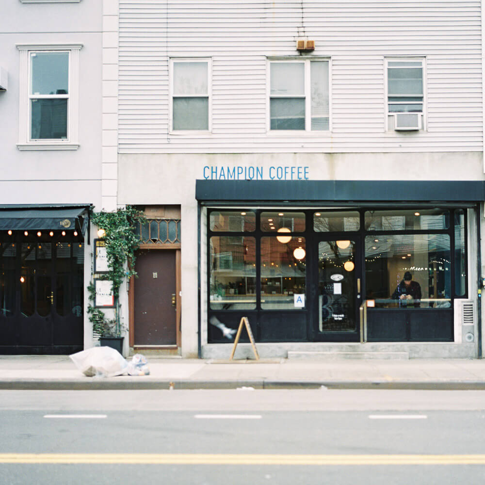 Spending a day in Greenpoint in Brooklyn capturing street life on Fujifilm 400h color film on my hasselblad